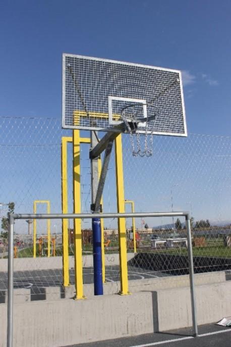 Poteau de basket extérieur anti vandalisme
