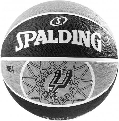 Ballon Spalding des San Antonio Spurs